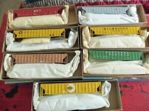 Athearn Blue Box  HO - Lot of 7   Covered Hopper Kits     New Old Stock