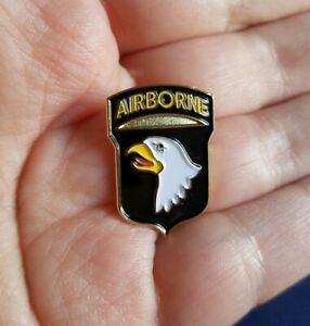 US ARMY 101st AIRBORNE SCREAMING EAGLES LAPEL HAT SHIRT JACKET TIE PIN