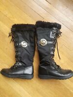 Michael Kors Size 5.5 Lace Up Zip Up Black Combat Boots Side Logo fur lined