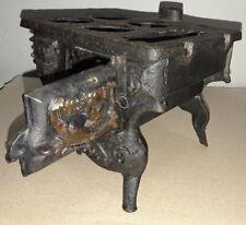 CAST IRON MINIATURE STOVE Salesman Sample Vtg Wood Burning Replica (VG)