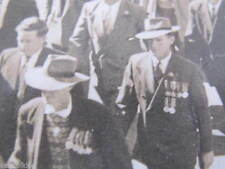 WW2 Anzac Day Parade Card Photograph Veterans with Medals 150mm x 100mm