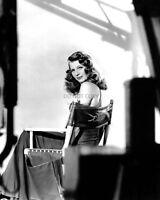 "RITA HAYWORTH LEGENDARY ACTRESS IN ""GILDA"" - 8X10 PUBLICITY PHOTO (NN-010)"
