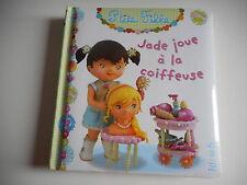 P'TITE FILLE - JADE JOUE A LA COIFFEUSE