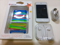 Apple iPod touch 4th Generation White (8GB) Very Good BUNDLED