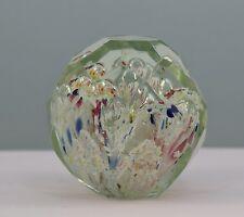 Alter Briefbeschwerer 5 Blasen mit geschliffenen Facetten, Böhmen, Paperweight