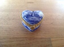 Delftware Royal Twickel Ter Steege Bv ( 1 Heart Shaped Pill Box ) 2.5cm by 4.5cm