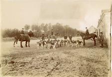 France, scène de chasse à courre, meute de chiens  Vintage albumen print Tir