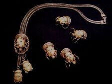 VINTAGE ENAMELED CHINESE NECKLACE, EARRINGS & 2 PINS MATCHING SET FROM 1950!