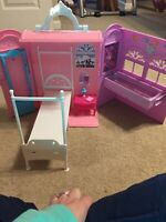 Barbie Princess And The Popstar Foldout Bedroom Playset