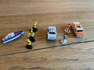 Micro Machines Emergency Services Police Ambulance Firefighters Robber Figure