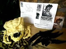 PREDATOR SKULL COLD CAST VINTAGE 3/4 RESIN KIT BY GREY ZON,WITH BLADE STAND,MINT
