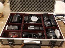MINOLTA MAXXUM 700Si, 35MM SLR FILM CAMERA, 4 ZOOM LENSES, 2 FLASHES and EXTRAS