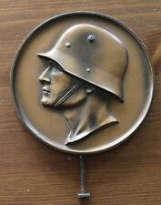 Original runder Aufsteller Plakette deutscher Soldat mit Stahlhelm 30iger Jahre