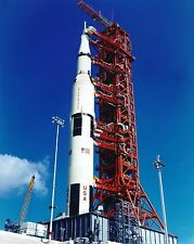 APOLLO 17 SATURN V ROLLS OUT TO LAUNCH COMPLEX 39 - 8X10 NASA PHOTO (ZY-815)