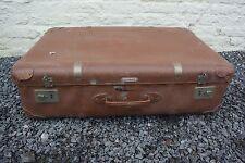 Très ancienne valise ou malle 3