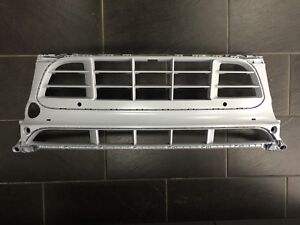 New Genuine Porsche Macan 95B PDC & Camera Front Bumper Centre Grille 95B807683