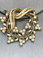 Vintage Pin Brooch Signed Coro 1950's Cream Pearl Berry Wreath Enameled Leaf
