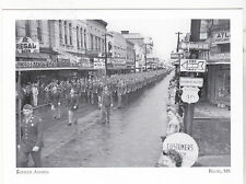 """""""Keesler Airmen"""" -March in Parade -1944- Biloxi, Mississippi /Post Card/ (A22-1)"""