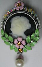 CAMEO Brooch Pin with Flowers Framed in Pearls & Austrian Crystal Rhinestones