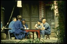 015006 hombres jugando cartas en el templo Kunming Yunnan A4 Foto Impresión