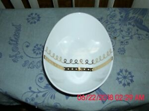 EXCELLENT NEW THRESHOLD PORCELAIN BOWL -OVAL SHAPED WITH GOLD TRIM INSIDE BOWL