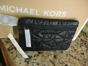 NEW WITH TAG  MICHAEL KORS WINNIE BLACK NYLON QUILTED WRISTLET.100 %GENUINE