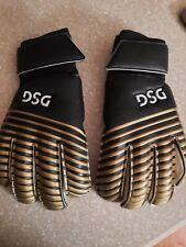 DSG Soccer Goalie Goalkeeper Gloves Size 9 very good condition