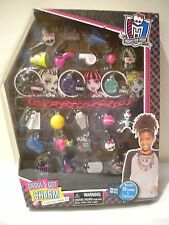 New MONSTER HIGH Ghoul's Got Charm Collectible Charm Set 24 Charms & 1 Necklace