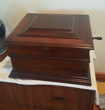 Criterion Double-Comb Music Box