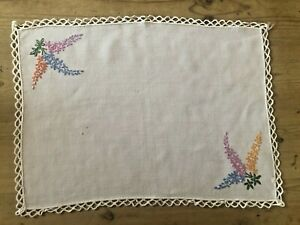 Vintage White Cotton Traycloth hand embroidery & decorative edging 44 x 32cm