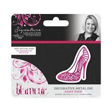 Sara Davies Glamour Craft Signature Collection - Sassy Shoe Metal Die