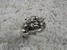 AVON Silvertone Flower Ring - Size 7 (D74)