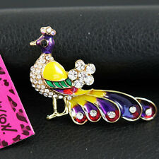 Betsey Johnson Elegant Peacock Bird Brooch Pin Pendant white Rhinestone Crystal