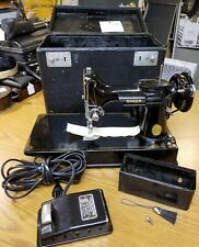 1947 SINGER 221 FEATHERWEIGHT Sewing Machine SERVICED w/ CASE 120v 1