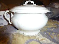 Antique White Semi Vitreous Porcelain Chamber Pot