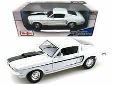 1968 Ford Mustang GT Cobra Jet Fastback 1:18 Diecast Car Maisto Special Edition