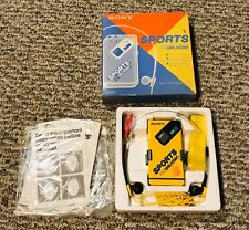 1986 Brand New Sony Sports FM Stereo WALKMAN Model SRF-4 Sport