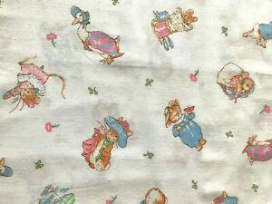 Rabbit Trellis Fabric By Nursery Window Remnant//Project 100/% Cotton Cream
