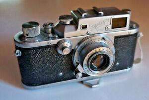 ZORKI 3 de 1954 ( PM1215) avec objectif Industar 22 et sac. bel état.