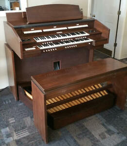 Allen 123-C Two Manual Digital Organ
