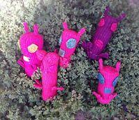 5 VINTAGE ETHNIC HAND WOVEN STRAW MONSTER FINGER PUPPETS DOLLS ECUADOR FOLK ART