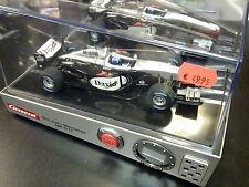 Carrera Mclaren MP4-17 2002 #3 David Coulthard, klok / wekker met race geluid!
