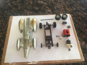 VINTAGE CLASSIC SILVER ASTRO V PROJECT OR PARTS CAR  1/24 SLOT CAR