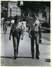 1987 Press Photo San Antonio Police Department Officers Maria Gruchacz & other