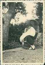 Portugal, Madère, Brodeuse  Vintage print, Photographie provenant d'un albu