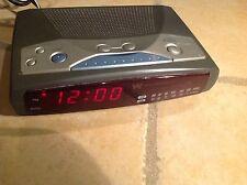White-Westinghouse wcr-11549 AM/FM Alarm Clock
