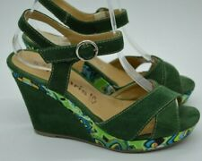 Stunning Tamaris Green Patterned Wedge Suede Sandals. Size 4. Great Condition!