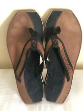 OluKai Paniolo Women's Black Leather Thong Sandals With Designs Size 9