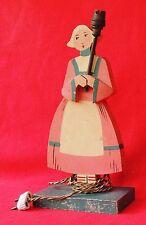 Lampe en bois peint années 40. Bécassine. Hauteur 30 cm. TBE