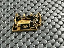 pins pin BADGE CAR PEUGEOT MACHINE A COUDRE
